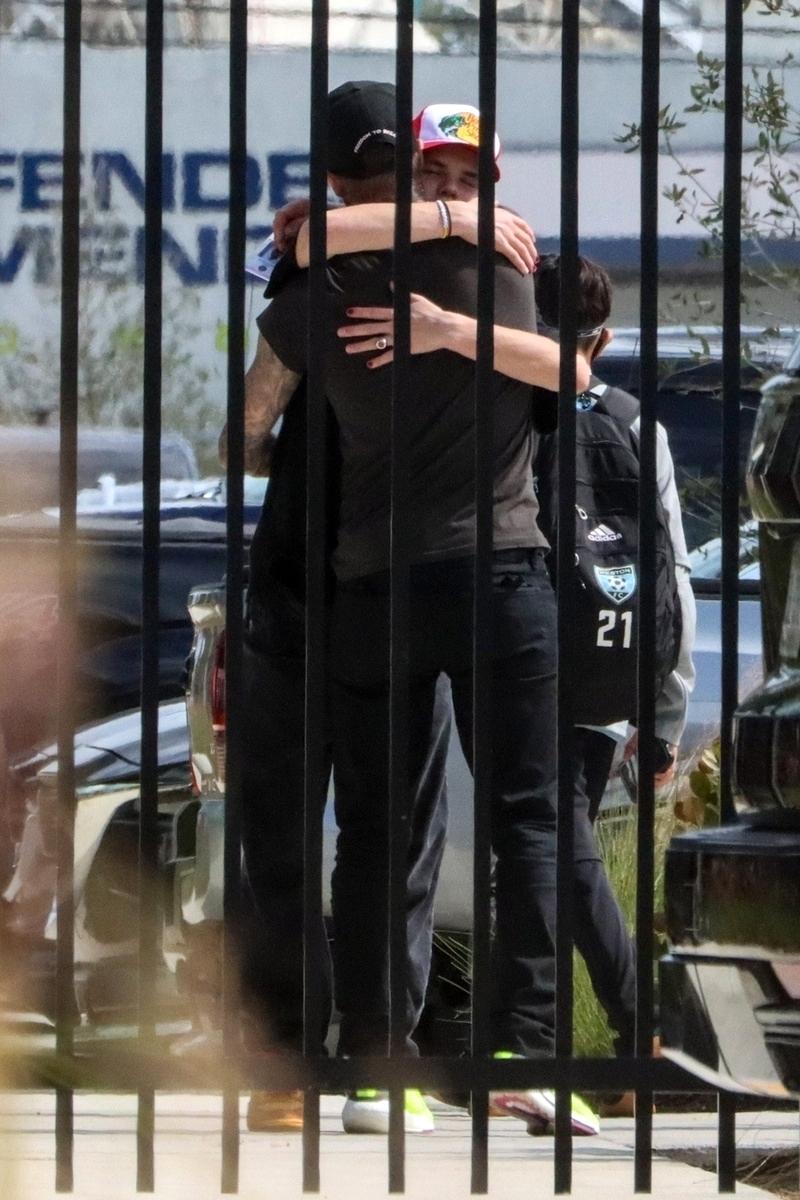 David Beckham entrena a su hijo