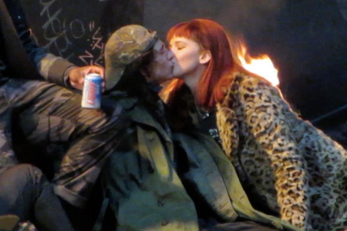 El beso de Timothée Chalamet y Jennifer Lawrence