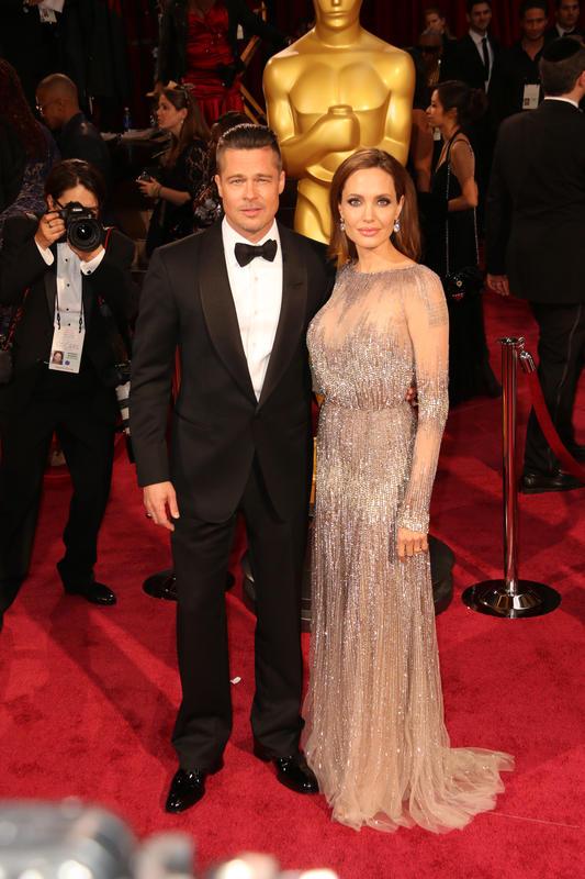 Angelina Jolie le declara la guerra a Brad Pitt