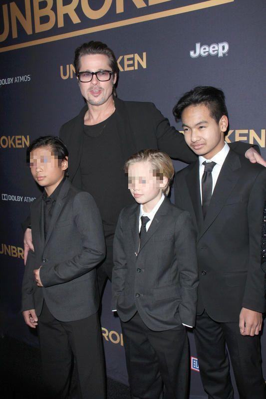 Brad Pitt con Maddox, Pax y Shiloh