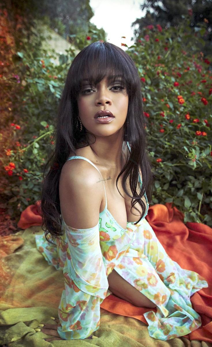 El nuevo flequillo de Rihanna,