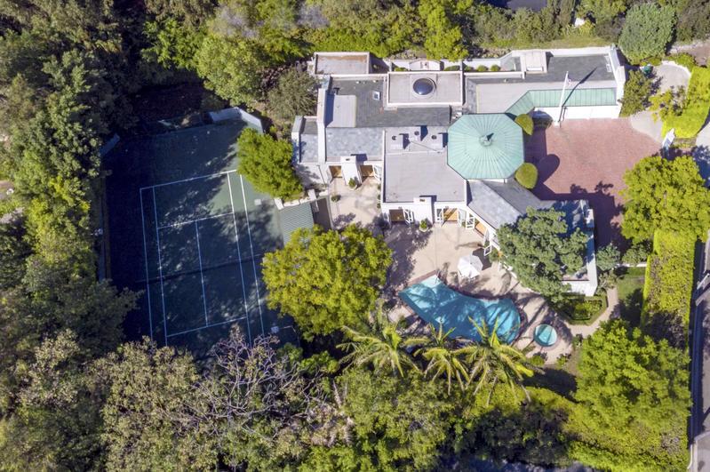 Lily Collins vendió mansion de lujo en 13,5 millones de dólares