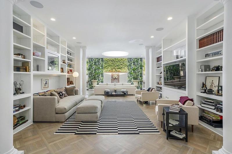 Lily Collins vendió recientemente mansión de lujo