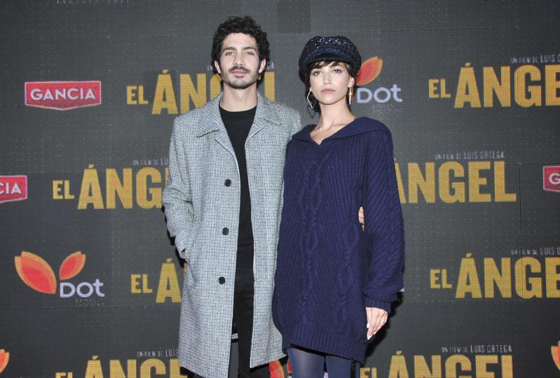Chino Darín, uno de los argentinos en españa, con su novia, Úrsula Corberó
