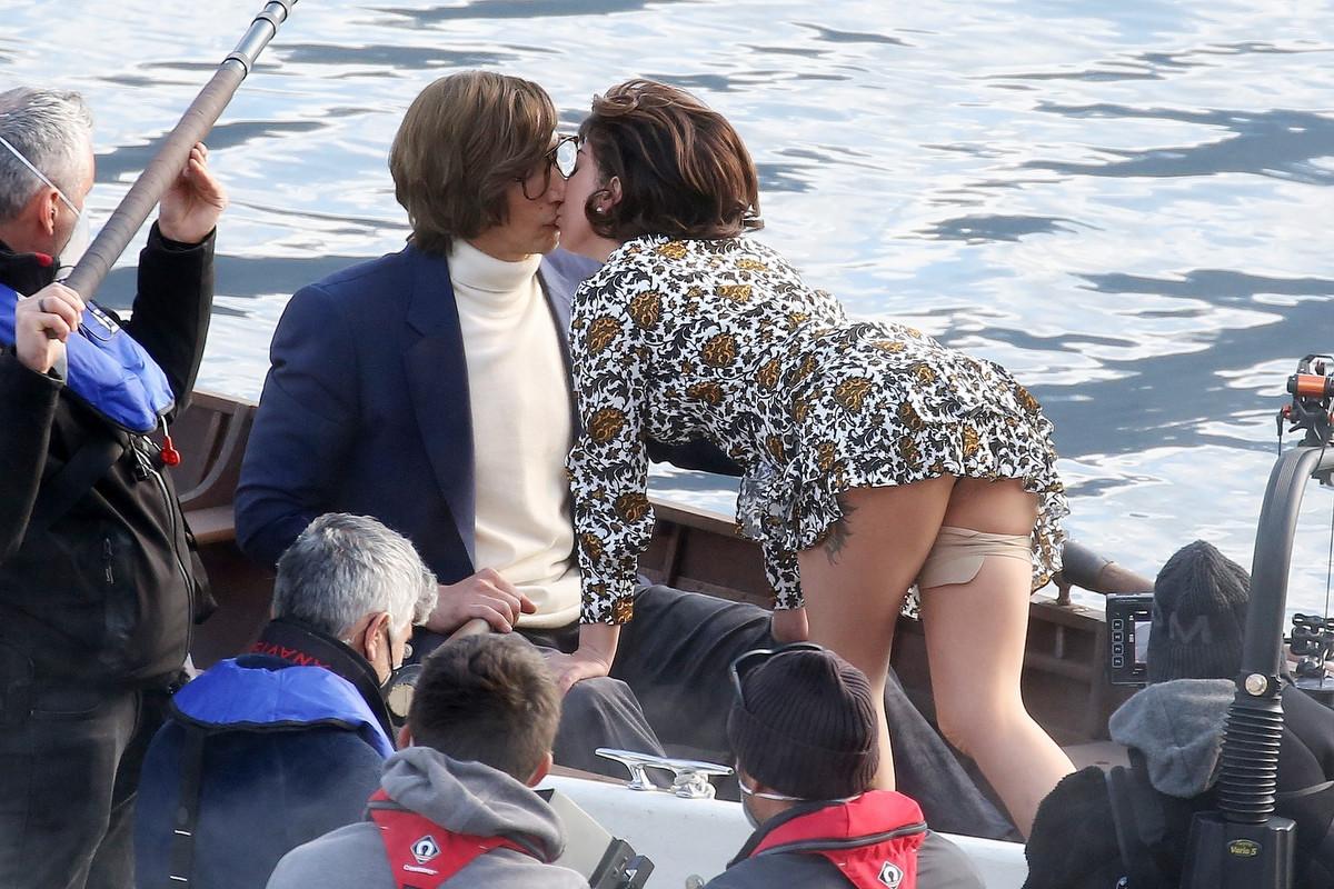 Este es el beso de Lady Gaga y Adam Driver en House of Gucci
