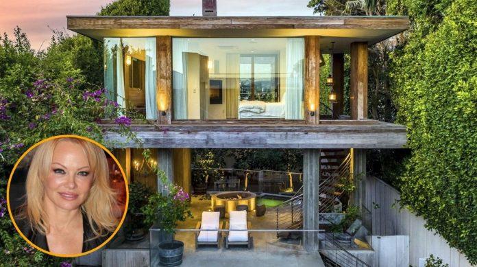 Así es la casa que vende Pamela Anderson en Malibú