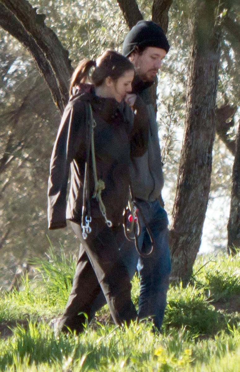 Pablo Iglesias con Irene Montero paseando