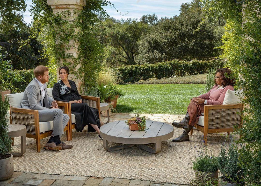 Meghan y Harry durante su entrevista con Oprah