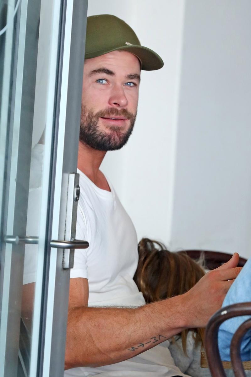 Chris Hemsworth queda con Isla Fisher