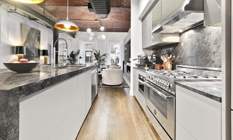Cocina del apartamento de Bella Hadid en Venta Nueva York
