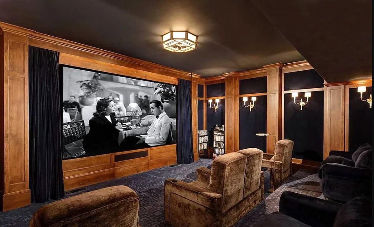 Imágenes de la mansión que compró The Rock en Beverly Hills sala de cie