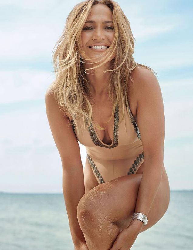 Jennifer Lopez en bañador