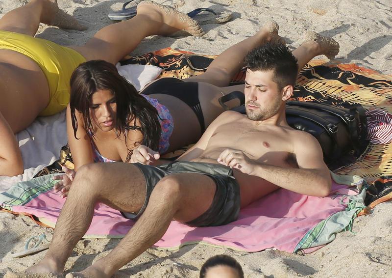 Foto en Ibiza de cuando el amor de Isa Pantoja y Alejandro Albalá era sólido