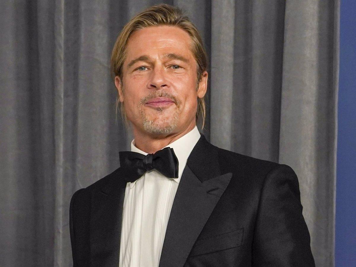 la coleta de Brad Pitt