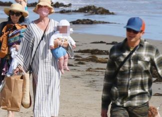 Katy Perry, Orlando Bloom y Daisy Dove en la playa