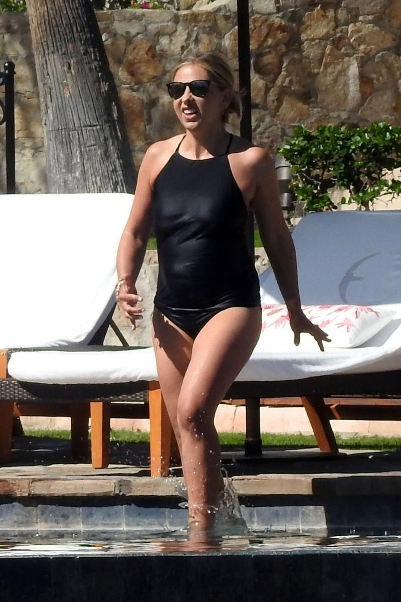 Sarah Michelle Gellar en bañador
