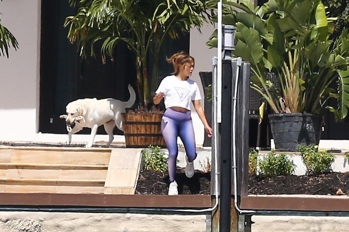 Jennifer Lopez en mallas