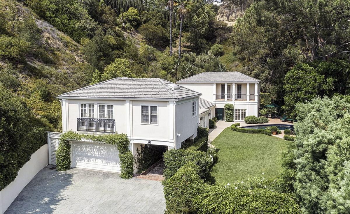 Katy Perry vende casa en Beverly Hills de 1341 metros cuadrados por 7 millones