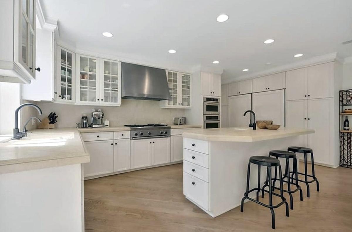 Katy Perry vende propiedad en Beverly Hills cocina fotos