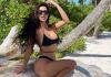 Kim Kardashian sube foto en Bikini y fans notan extraño detalle
