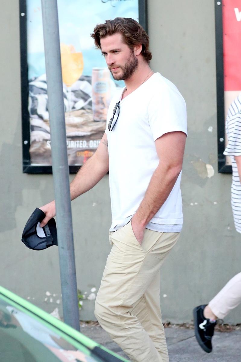Liam Hemsworth es Thordos o lo podría ser por fotos como esta, en la que lo vemos tan fornido como Thor