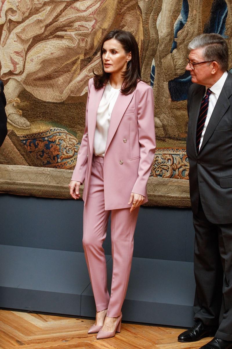 Letizia traje rosa