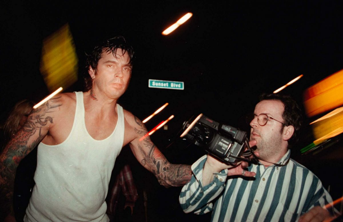 Tommy Lee agrede a un paparazzi.
