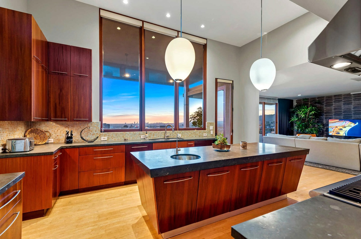 Zac Efron vende casa de 1720 metros cuadrados en Los Ángeles fotos del interior