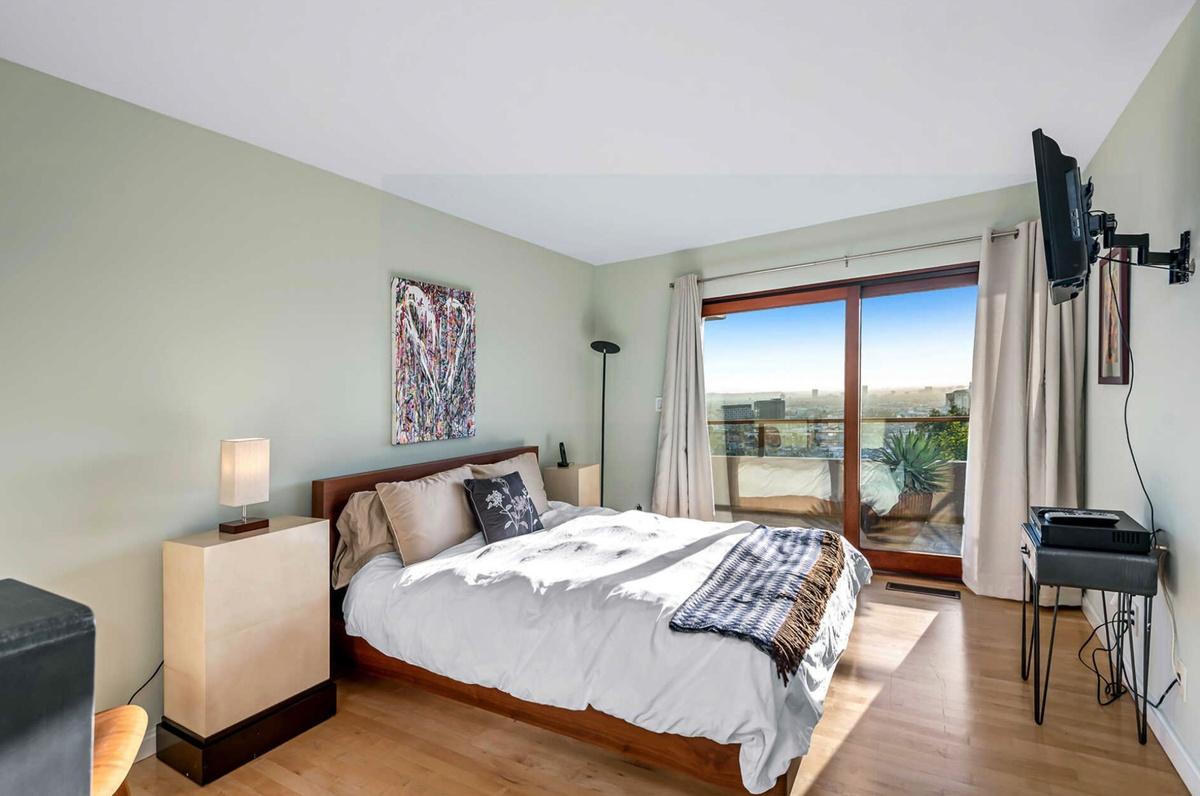 Zac Efron vende mansión en Los Ángeles