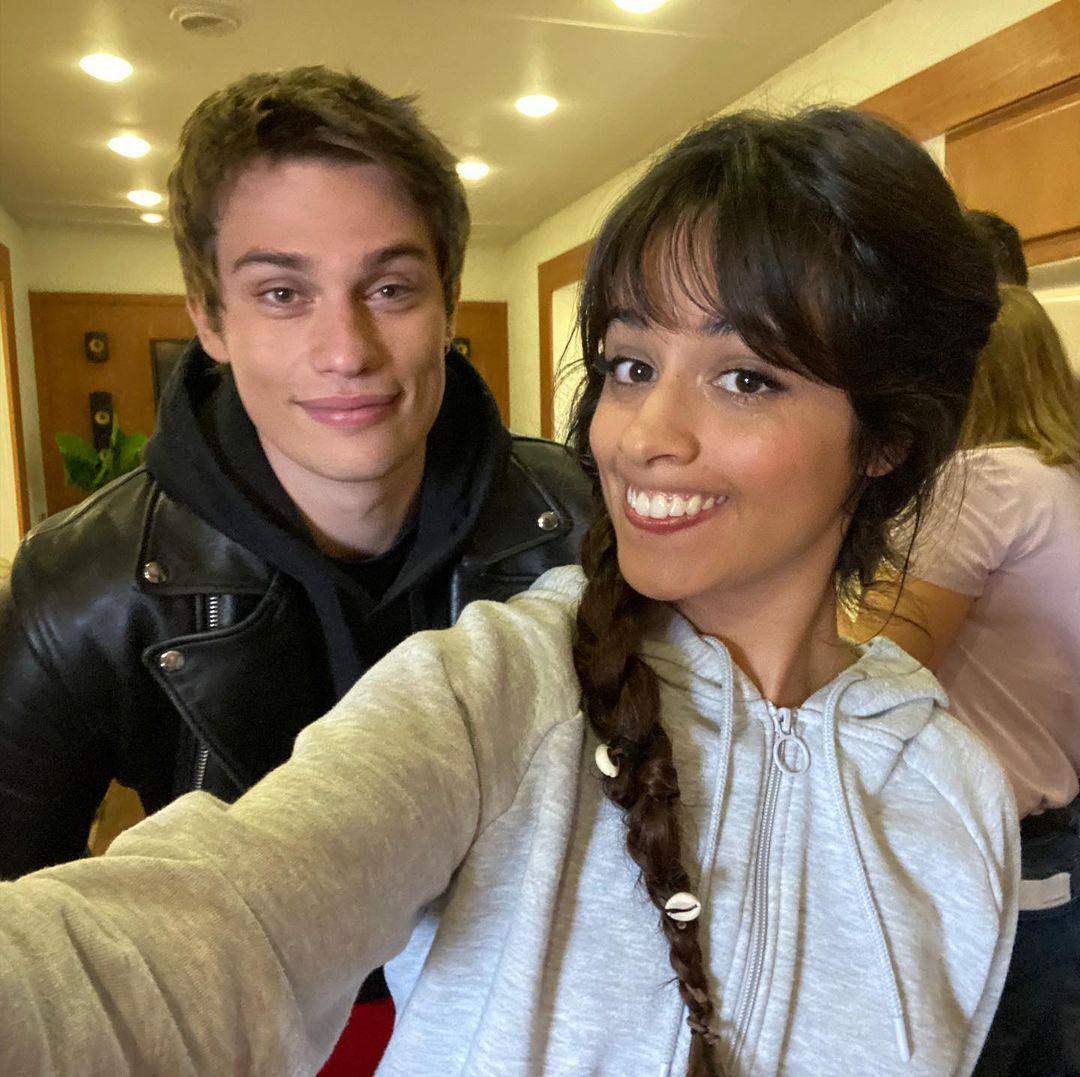 Camila Cabello y Nicholas Galitzine