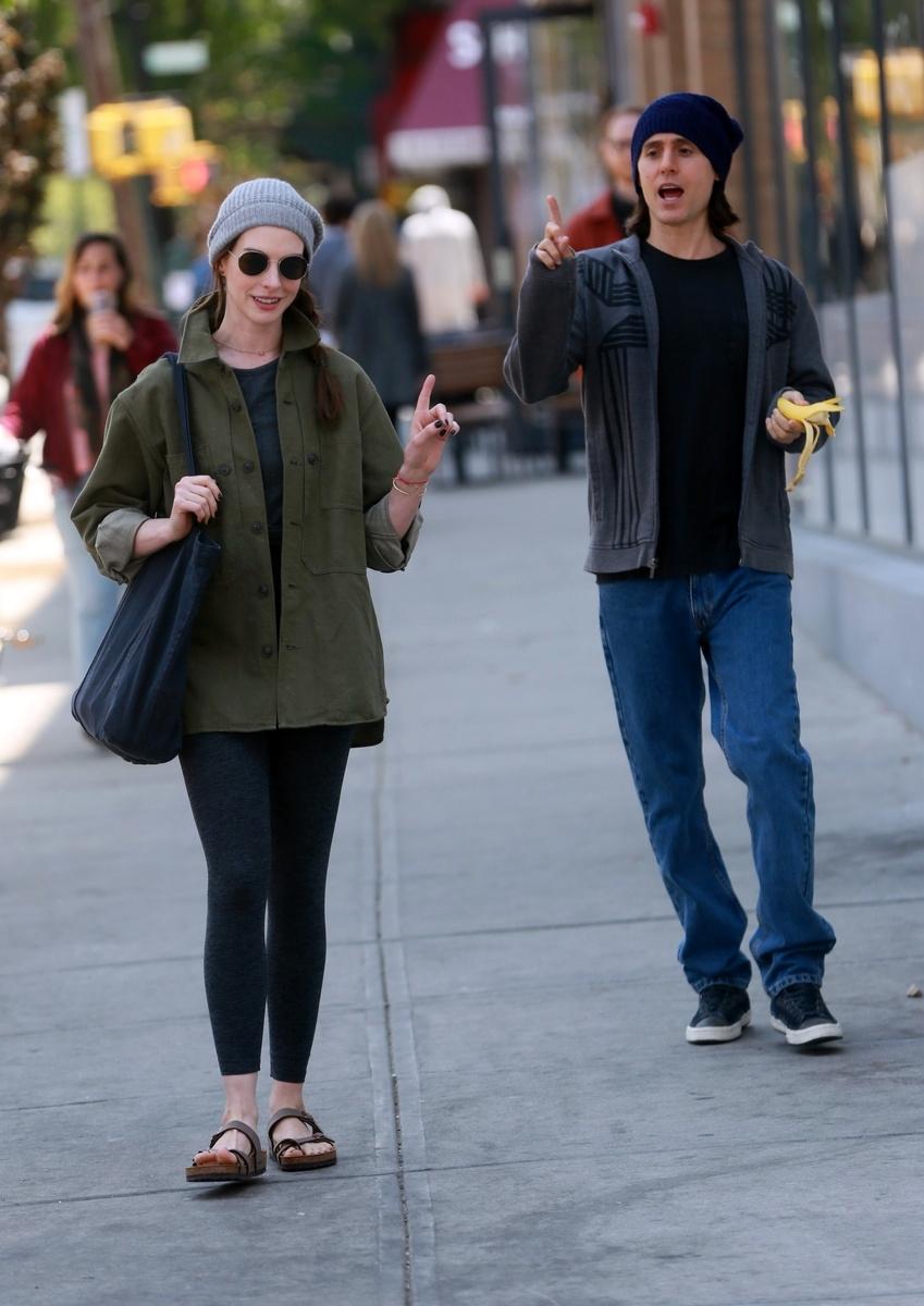 Jared Leto y Anne Hathaway juntos