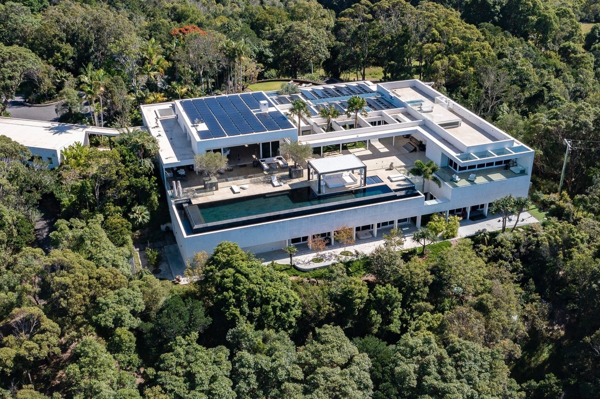 Así es la mansión de Elsa Pataky y Chris desde el aire