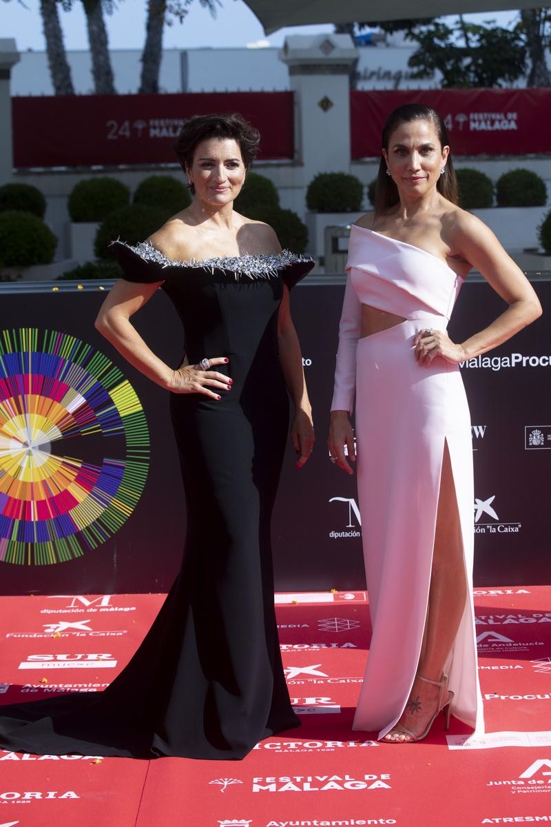 Silvia Abril y Toni Acosta en la alfombra roja del 24 festival de cine de Málaga