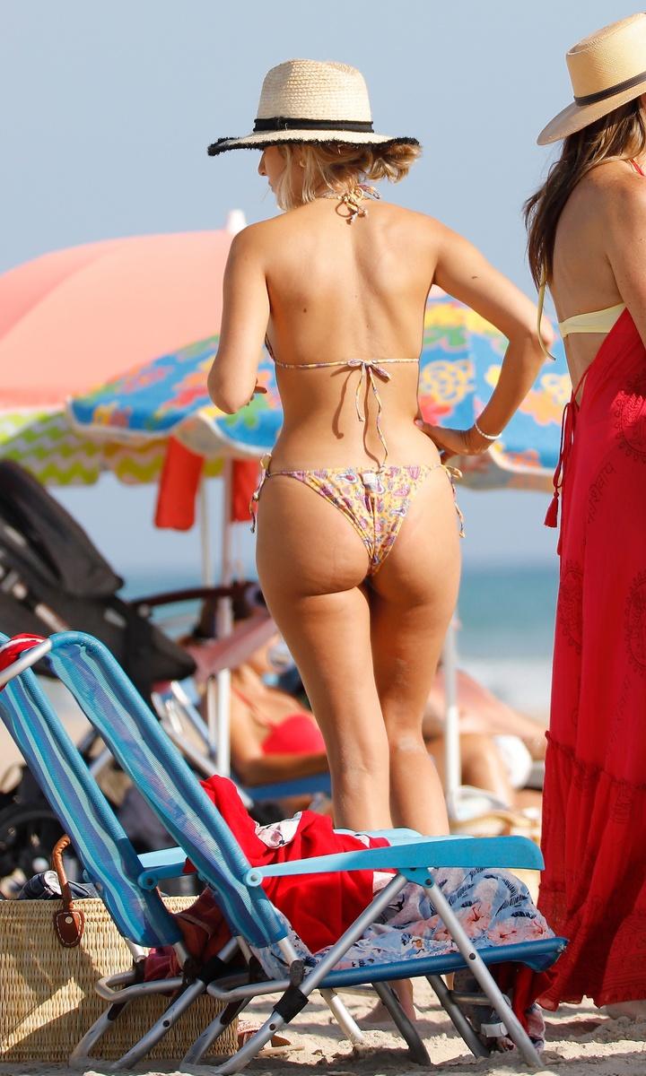 Anna Ferrer en bikini