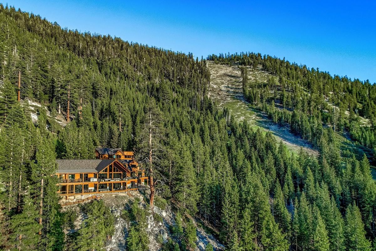 Casa gigante en Lake Tahoe California donde filmaron último programa de Keeping Up with the Kardashian