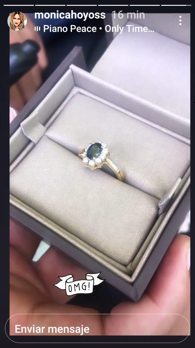 El anillo de boda de Mónica Hoyos