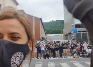 Itziar Ituño acompaña a trabajadores despedidos de TUBACEX