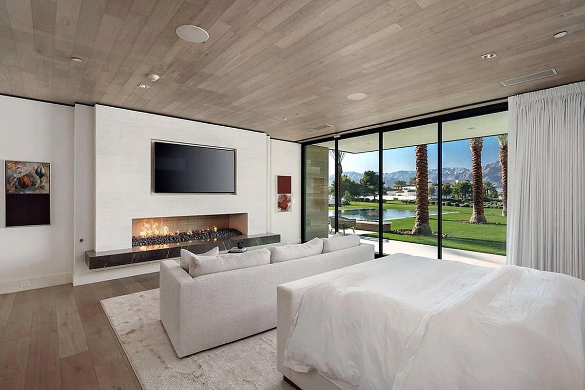 Kourtney Kardashian compra mansión en Palm Springs con interiores de vista panorámica