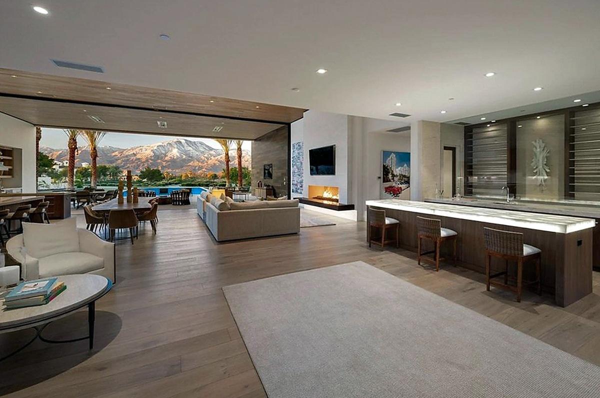 Kourtney Kardashian compra mansión en Palm Springs de 876 metros cuadrados por 12 millones de dólares