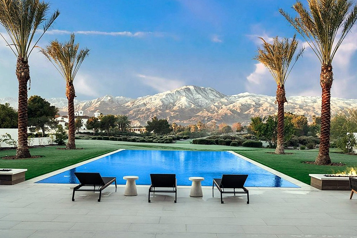 Kourtney Kardashian compra mansión en Palm Springs fotos de la piscina infinita