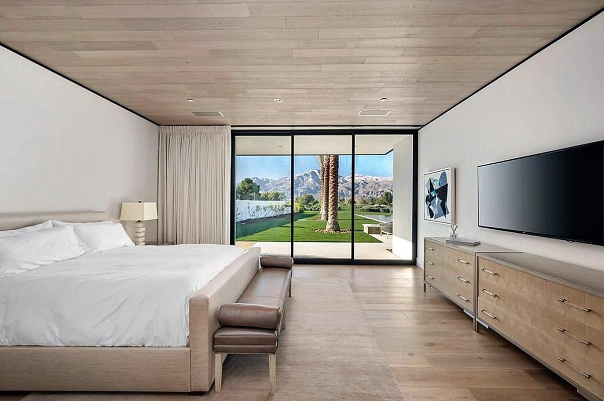 Kourtney Kardashian compra mansión en Palm Springs por 12 millones con 6 habitaciones