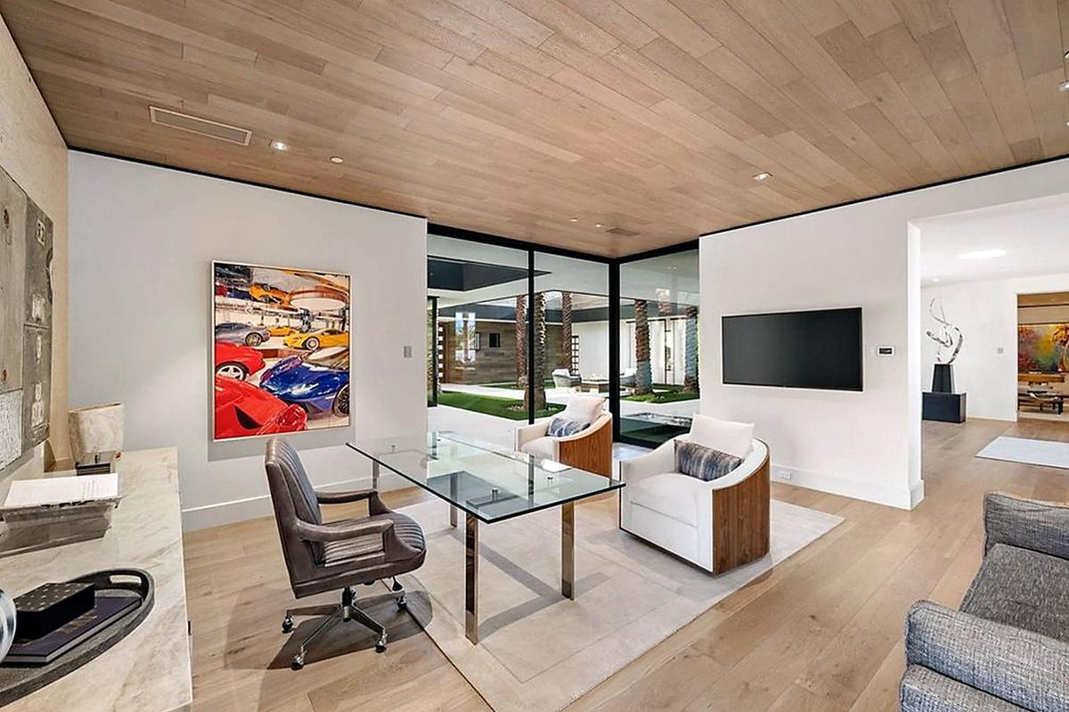 Un diseño interior elegante en la mansión de Kourtney Kardashian en Palm Springs