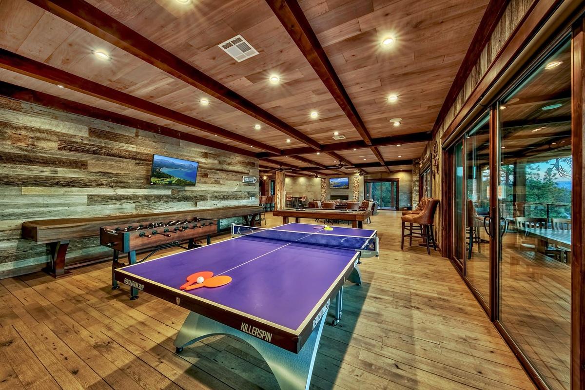 Sala de juegos de la mansión donde se filmó Keeping Up with the Kardashians