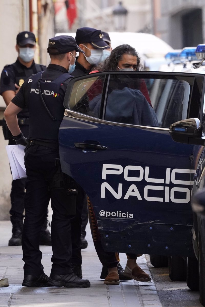 'El Cigala' este miércoles por la noche en un hotel madrileño por un presunto delito de violencia de género contra su pareja y madre de sus dos hijos pequeños, Quina.
