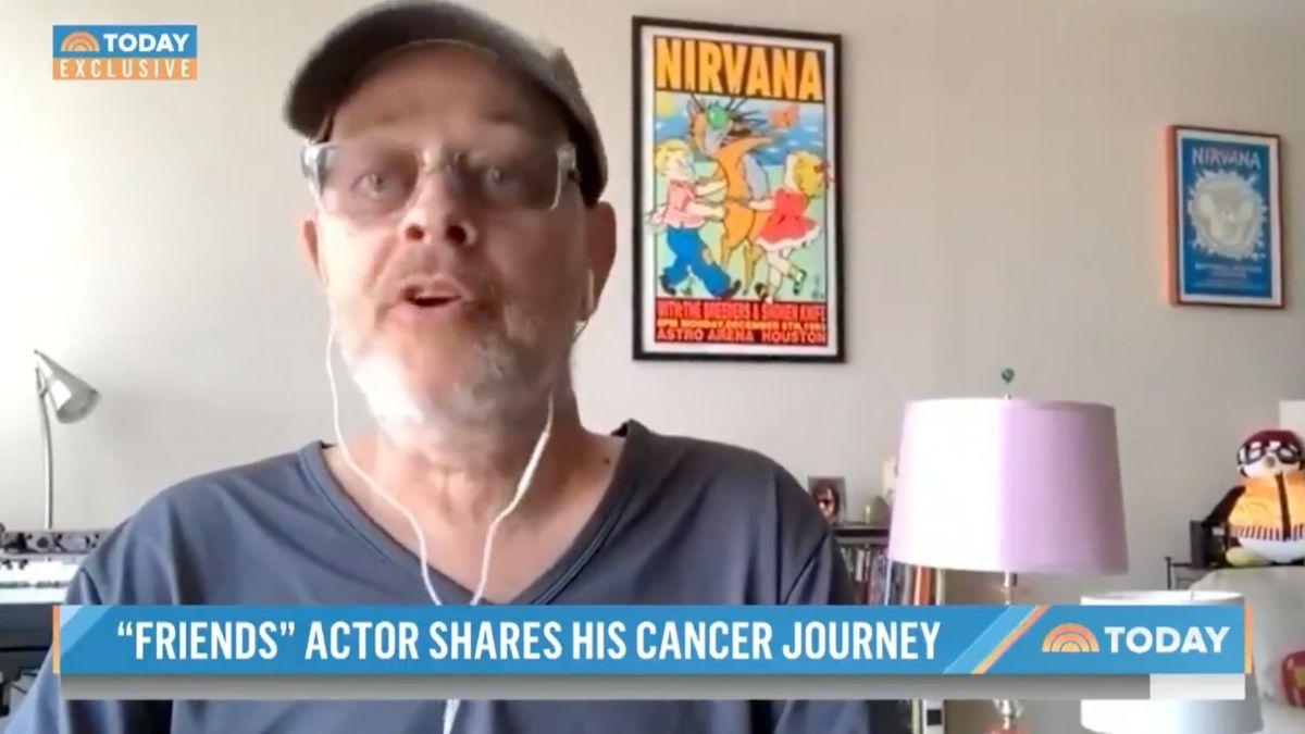 Fotograma del programa en el que se reveló que James Michael Tyler tiene cáncer