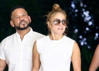 Jennifer Lopez abdominales