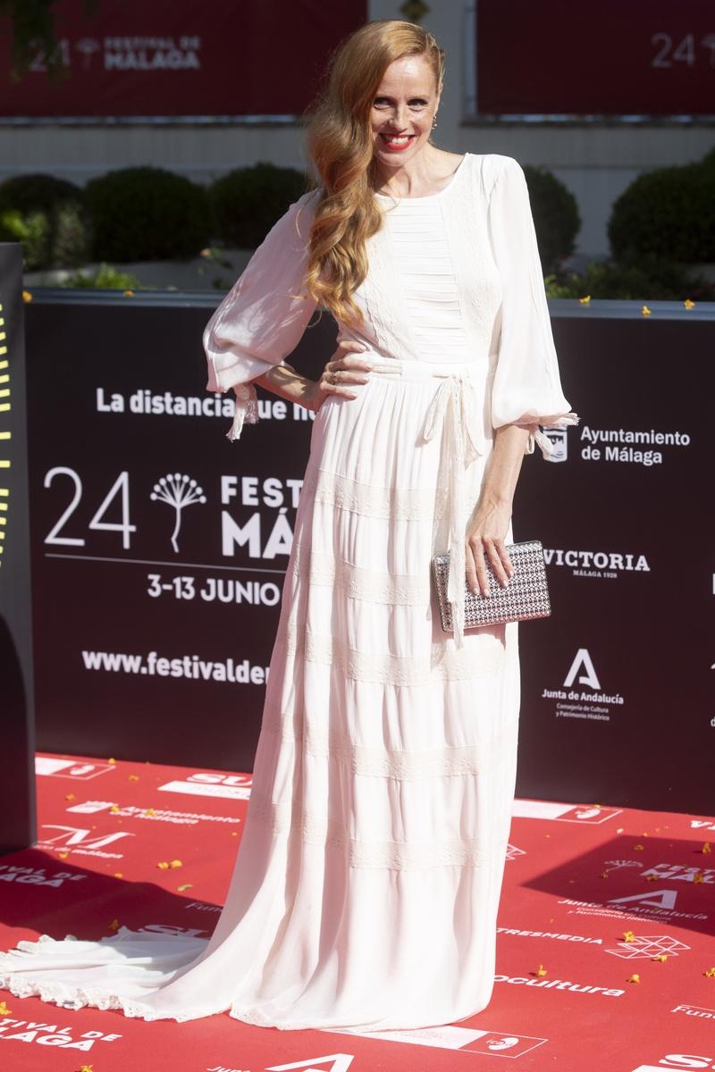 María Castro se vistió de novia en la alfombra roja del festival de málaga