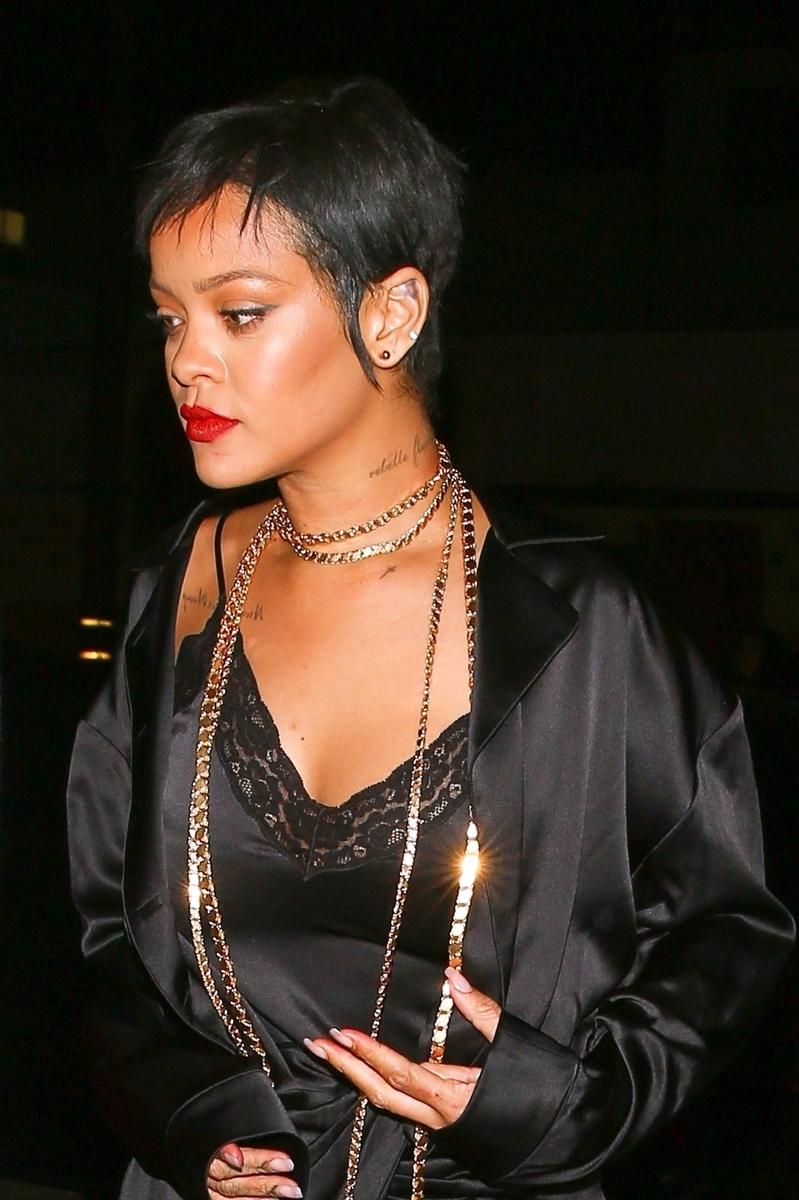 Rihanna en pijama