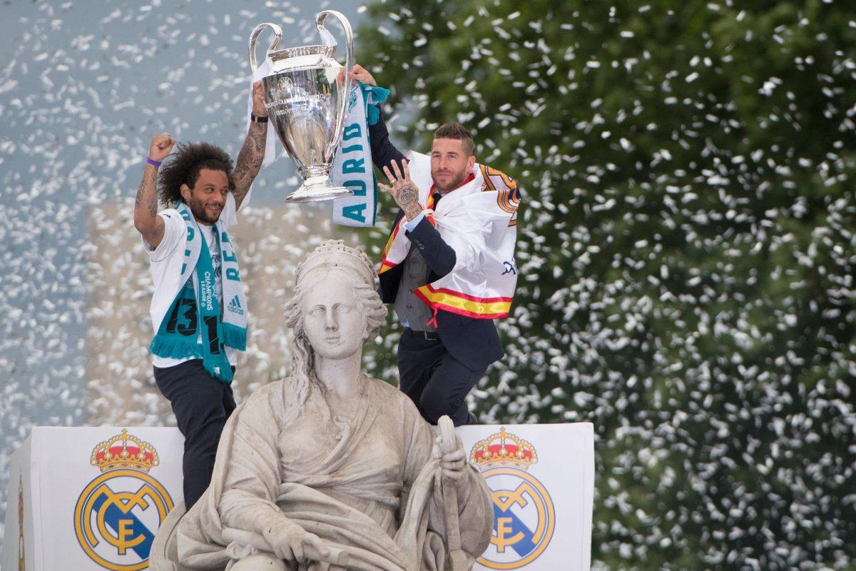 Sergio Ramos celebra con Marcelo la 13ª Champions