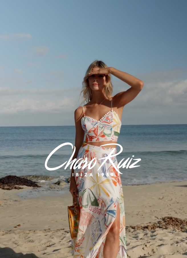 Modelo en blanco del vestido de Sara Carbonero